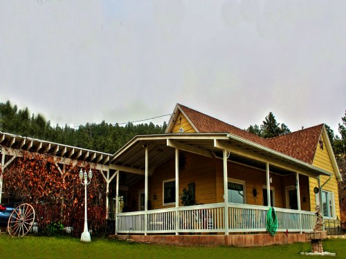 93 Acres, Numerous Outbuildings : Sundance : Crook County : Wyoming