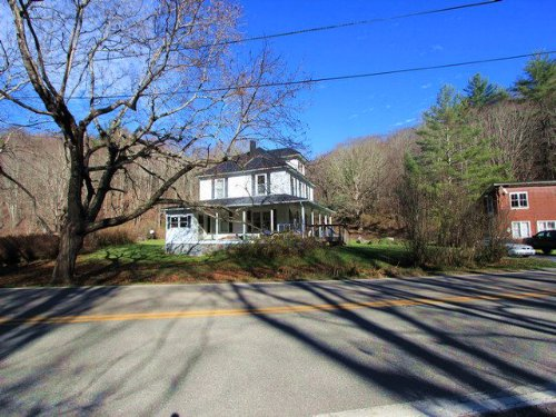 Highlands Farm House And Acreage : Whitetop : Grayson County : Virginia