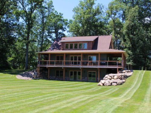 Beautiful Home On Secluded Parcel : Ceresco : Calhoun County : Michigan
