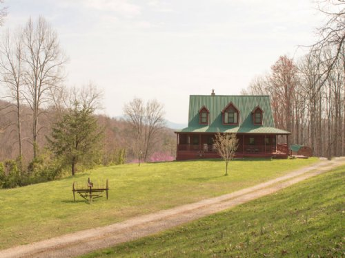 Custom Cedar Home On 68 Acres : New Tazewell : Claiborne County : Tennessee