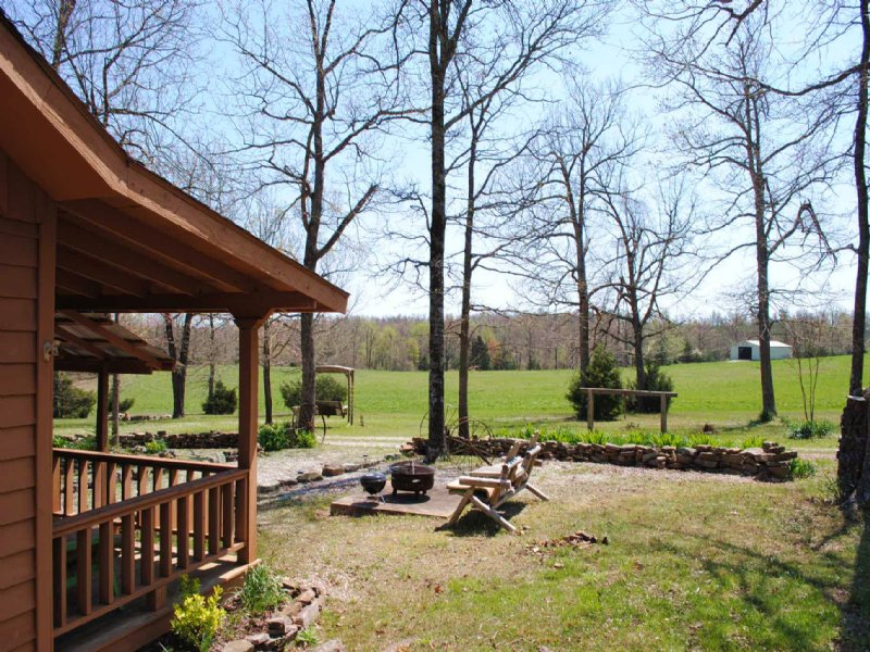 Sunnyland Ranch : Mountain View : Stone County : Arkansas