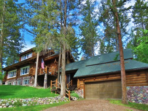 Log Home Estate : Kalispell : Flathead County : Montana