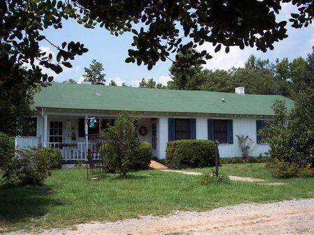 Knotty Pine Wood Inside True Ranch : Waynesboro : Burke County : Georgia