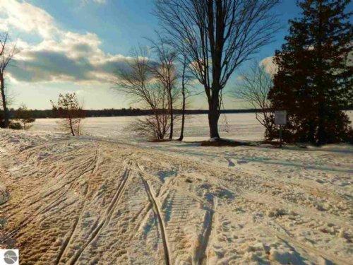 Manistee Lake 40 Resort And More : Kalkaska : Michigan