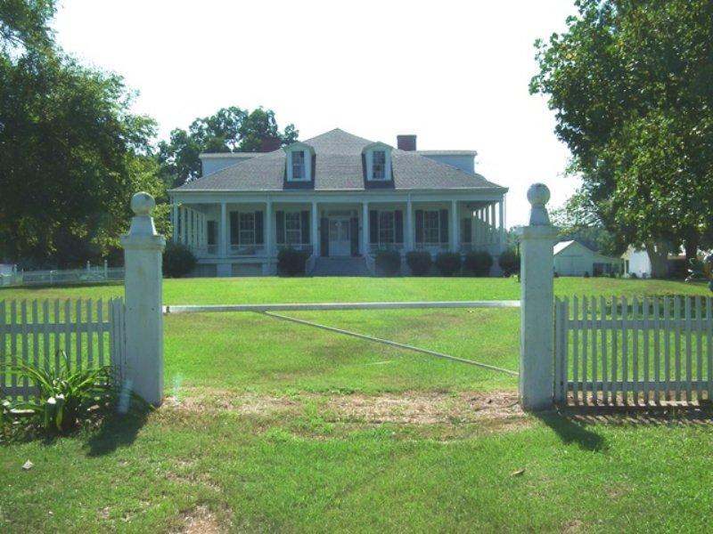 Clifton Plantation Hunting Preserve : Ranch for Sale : Lexington