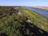 Eagle Point Farm : Kampsville : Calhoun County : Illinois