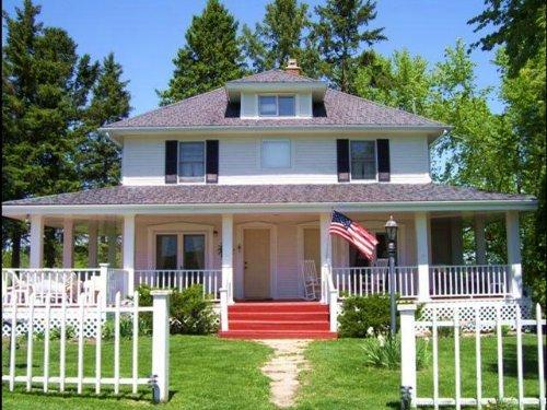 Historic Hickory Lane Farm Bl River : Blue River : Richland County : Wisconsin