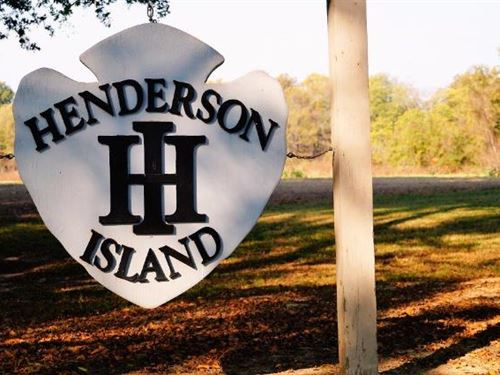 Henderson Island Equity Interest : Vicksburg : East Carroll Parish : Louisiana