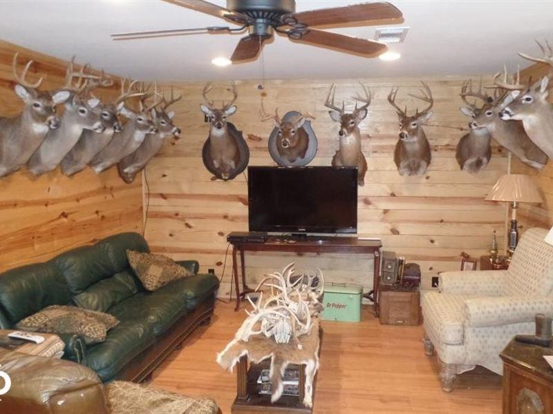 The Buckhorn Lodge : Meridian : Clarke County : Mississippi