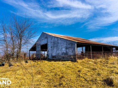 Country Living With Lake Access : Deepwater : Henry County : Missouri
