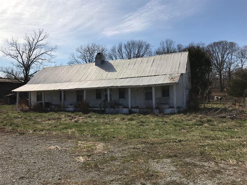 28.24 Acres & Barn : Livingston : Overton County : Tennessee