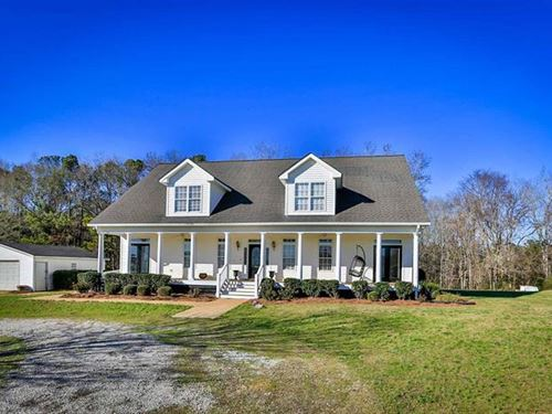 Private 5 Br/3.5 Bath Cape Cod : Buckhead : Putnam County : Georgia