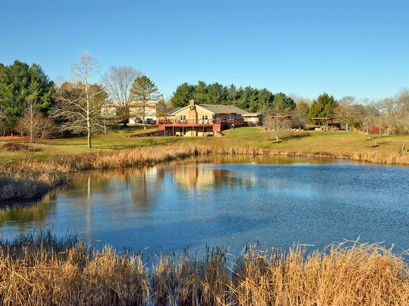 One Of A Kind Home And Farm : Hillsboro : Highland County : Ohio