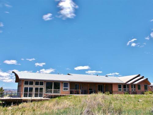 Southwest Mountain Elegance : Del Norte : Rio Grande County : Colorado