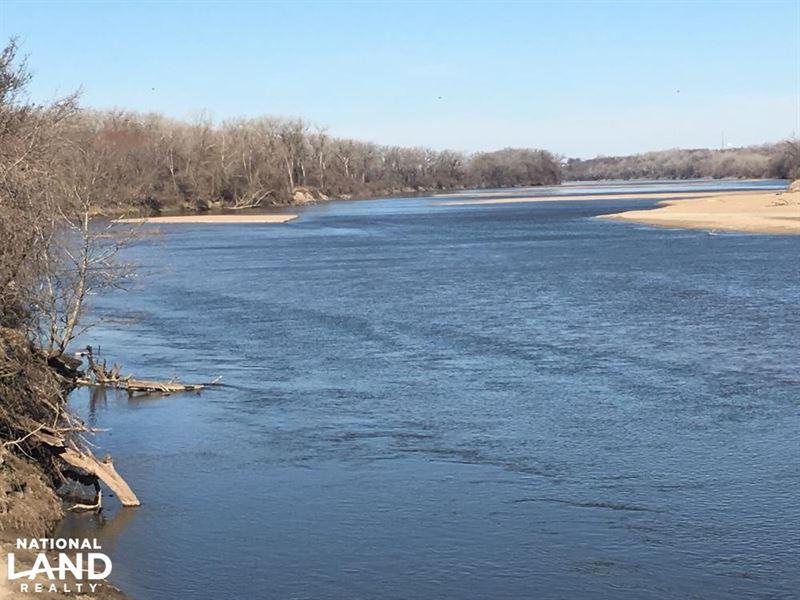Kansas River Tillable And Recreatio : Wamego : Wabaunsee County : Kansas