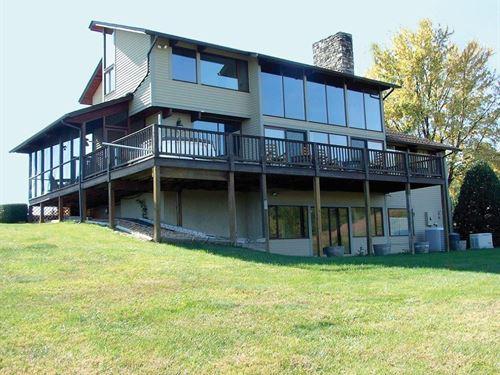 South River Vineyard Estate : Stanardsville : Greene County : Virginia