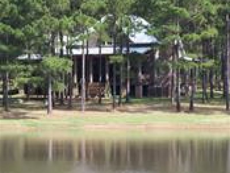 Hunting Lodge On Lake Wilkinson Cou : Gloster : Wilkinson County : Mississippi