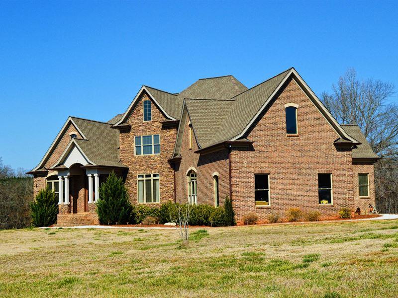 Immaculate Home On 77 Acres : Buffalo : Union County : South Carolina