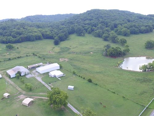 98 Ac With Well Kept Home And Barns : College Grove : Rutherford County : Tennessee