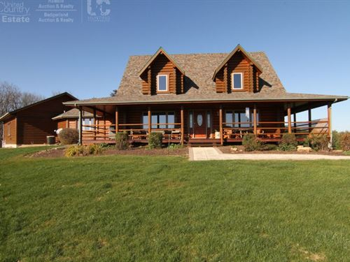 Executive Lodge W/ Premium Hunting : Viroqua :  County : Wisconsin