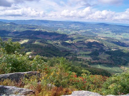 T-14 Point Lookout Mountain Lot : Independence : Grayson County : Virginia