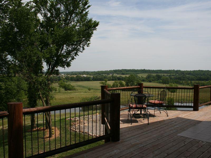 Kansas Trophy Hunting Operation : Mulberry : Crawford County : Kansas