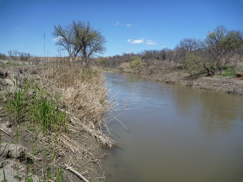 Saline River Bottom Farm And Hunt : Paradise : Russell County : Kansas