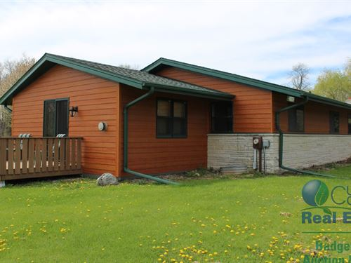 Ranch Home With Rock River Frontage : Allenton : Washington County : Wisconsin