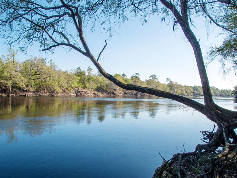 Suwannee River Retreat : Branford : Lafayette County : Florida
