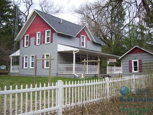 Classic Country Home Adams : Arkdale : Adams County : Wisconsin