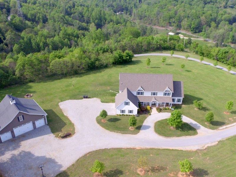 For Sale- 6,823 Sf, 5 Bdrm 5.1 Bth : Roanoke : Roanoke County : Virginia