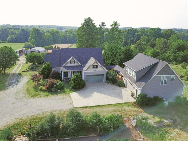 Beautiful Horse Farm On 16.88 Acres : Athens : Jackson County : Georgia
