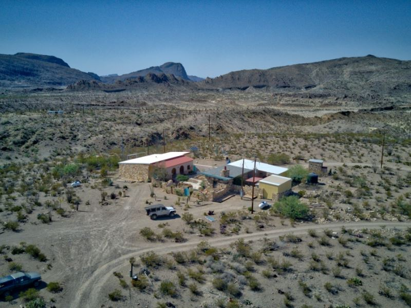 High Desert Home With Acreage : Terlingua : Brewster County : Texas
