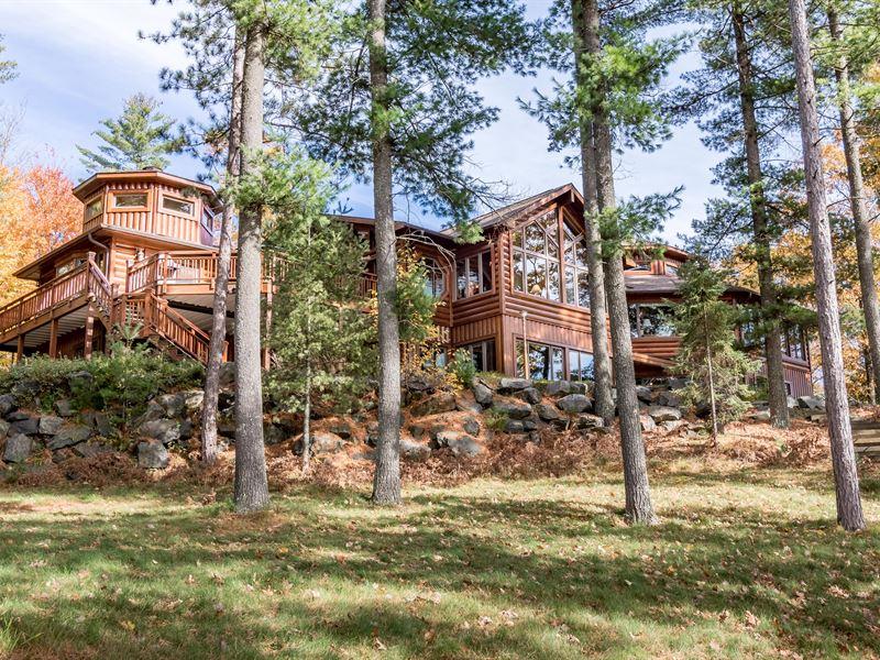 Bobcat Lake Northwoods Retreat : Minocqua : Oneida County : Wisconsin