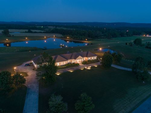 Luxury Home W/ Private Airport : Hanceville : Cullman County : Alabama