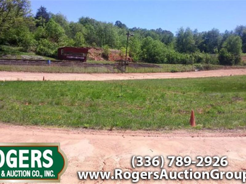 Real Estate Auction & More : Dobson : Surry County : North Carolina