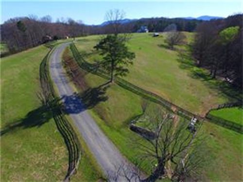 Horse Farm River Frontage : Ellijay : Gilmer County : Georgia