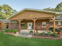 Horse Farm With Home On 82 Acres, S : Magee : Simpson County : Mississippi
