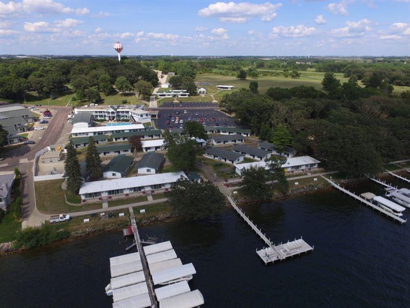 The Inn At Okoboji : Okoboji : Dickinson County : Iowa