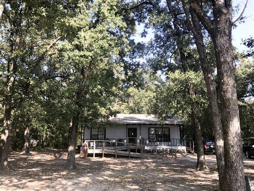 Cozy 2/1 Tucked Into The Trees : Dike : Hopkins County : Texas