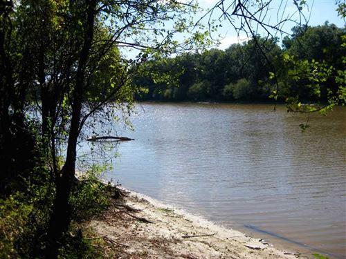 Reduced, 78 Acres on Little : Jena : La Salle Parish : Louisiana