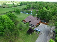 Large Residential Home For Sale on : Poplar Bluff : Butler County : Missouri