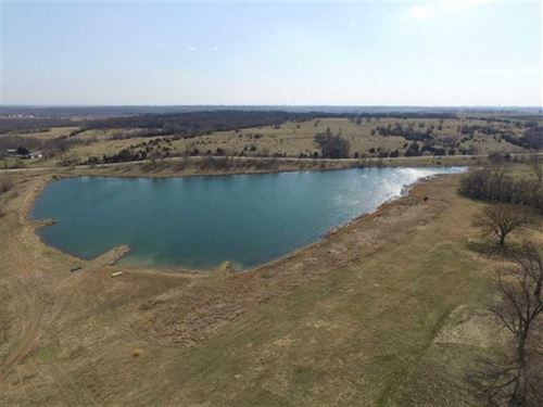 Beautiful Lodge And 308 Acres For : Lawrence : Douglas County : Kansas