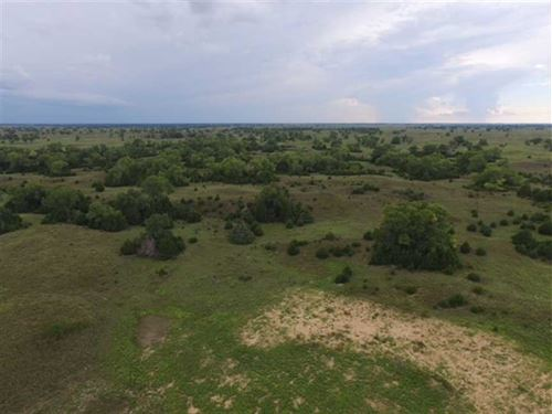 715 Acres of Hunting, Tillable : Sterling : Reno County : Kansas