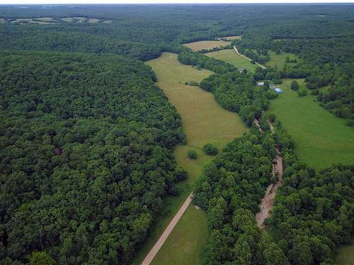 Reduced, Outstanding 902 Acre Farm : Stover : Morgan County : Missouri