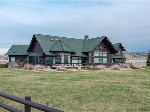 Three Bedroom, Three Bath Home on : Cody : Park County : Wyoming