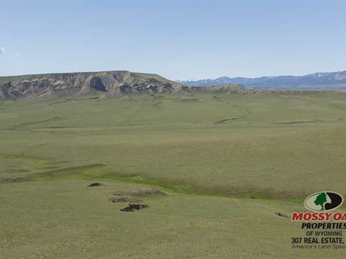 596 Acres of Ranchland in Meeteets : Meeteetse : Park County : Wyoming