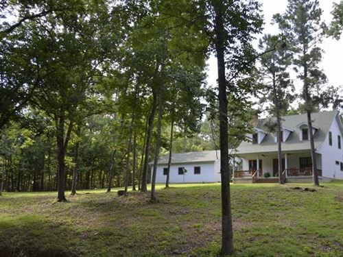 Woods, Water, Wildlife And Family : Elkhart : Anderson County : Texas