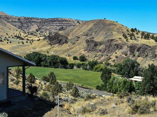 Hilltop Home With River Views : Spray : Wheeler County : Oregon