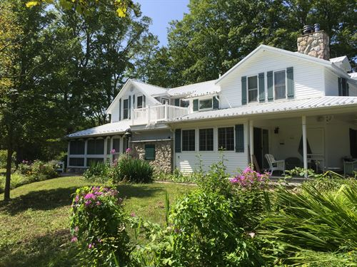 Awesome Farm Home On Creek : Hesperia : Oceana County : Michigan